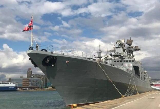 Στον Πειραιά έδεσε το ρωσικό πλοίο Vice Admiral Kulakov – Εντυπωσιακές φωτογραφίες