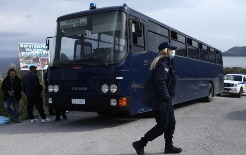 Άγρια συμπλοκή με μετανάστες στο κέντρο της Μυτιλήνης: Αίματα παντού αντίκρισαν οι καταστηματάρχες