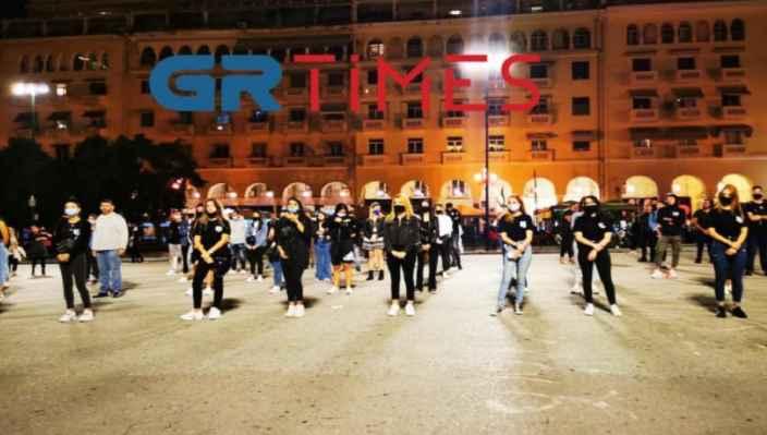 Διαμαρτυρία Κυπρίων φοιτητών στη Θεσσαλονίκη για τα Βαρώσια (Βίντεο)