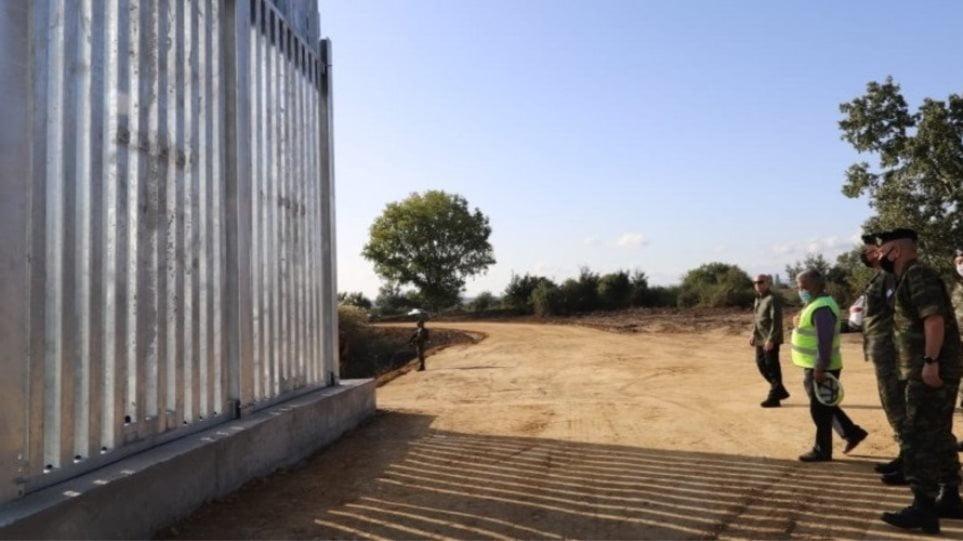 Τουρκικός εκνευρισμός για τον φράχτη στον Έβρο: Βρίζουν τους Έλληνες, χτυπάνε σειρήνες