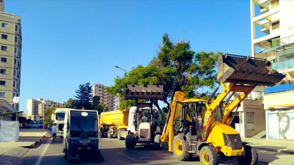 Αμμόχωστος: Μπήκαν μηχανήματα στα Βαρώσια