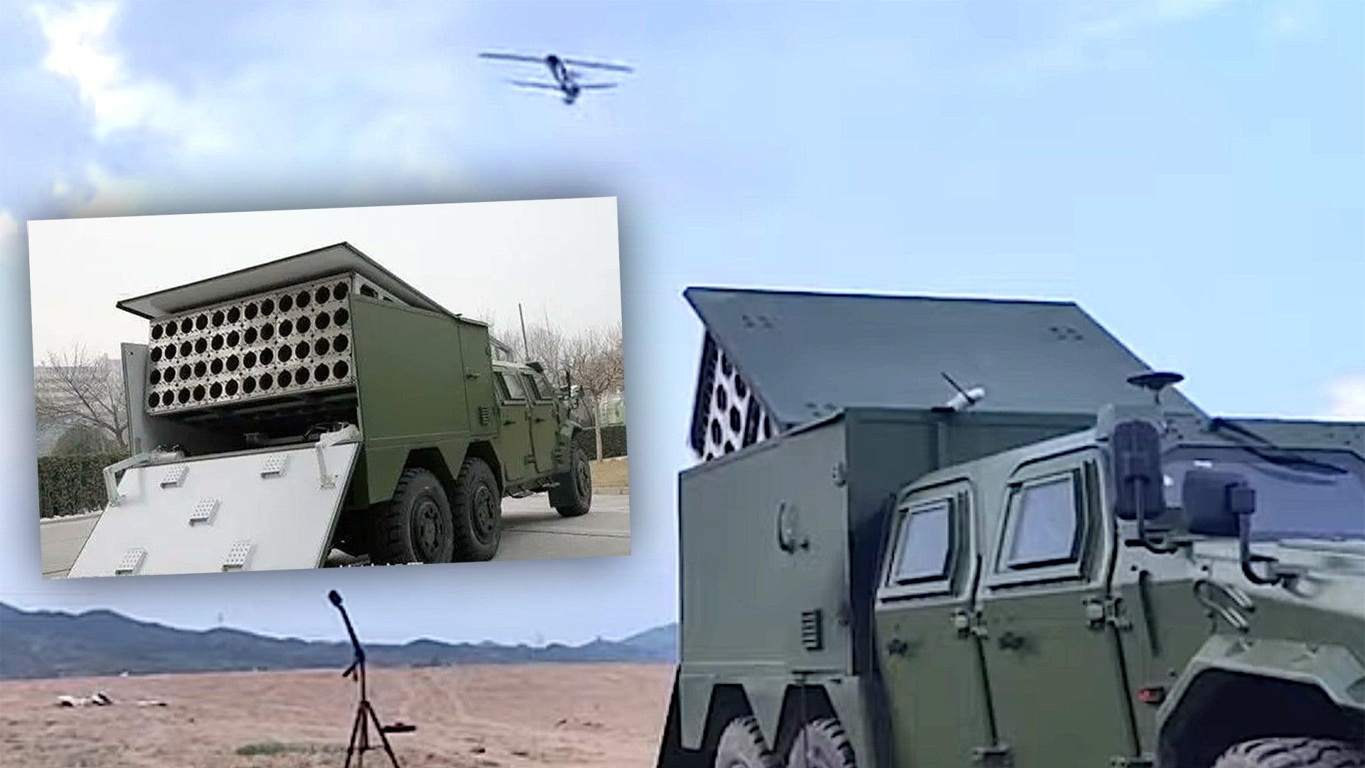 To μελλοντικό πρόσωπο του πολέμου-Η Κίνα παρουσίασε τεχνολογία εκτόξευσης σμήνους drone από εκτοξευτή τοποθετημένο σε φορτηγό όχημα