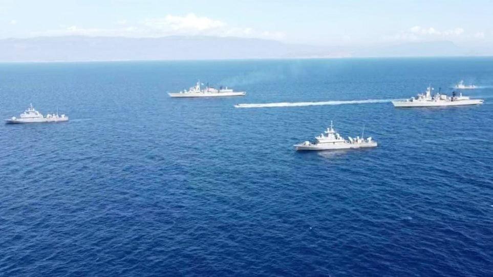 Σε ύψιστη επιφυλακή οι ένοπλες δυνάμεις για το Oruc Reis – Φωτογραφίες με ταπλοία του ελληνικού στόλου που έχουν αναπτυχθεί στην περιοχή