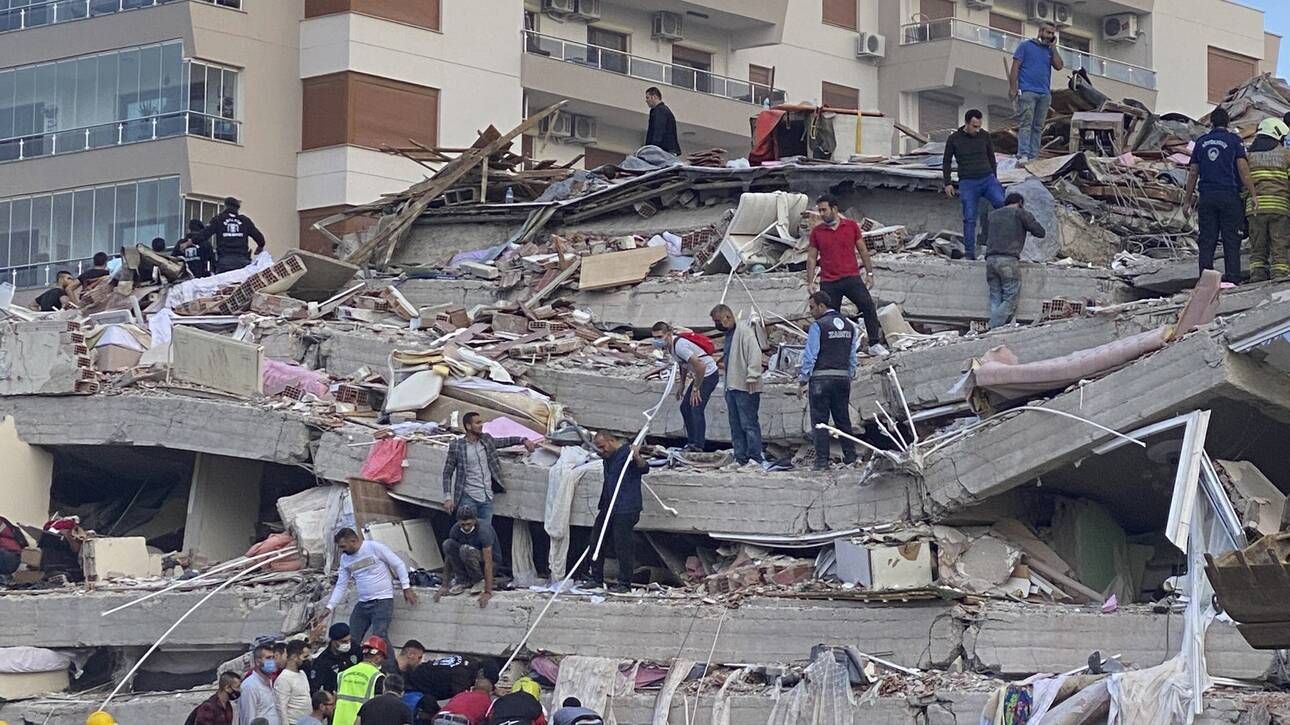 Σεισμός στη Σάμο: Μετανάστες έκαναν πλιάτσικο μετά το τσουνάμι