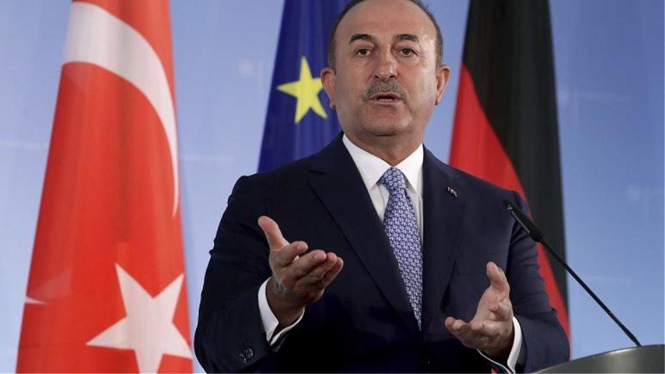 Τσαβούσογλου: Ζητάει από τον Λαβρόφ να πιέσει την Αρμενία για την τήρηση της εκεχειρίας