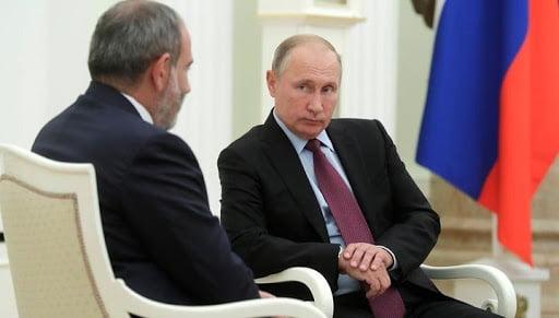 Ποιός θα αναλάβει τον έλεγχο στον θύλακα του Καραμπάχ; Σύμφωνος με την ανάπτυξη ρωσικών ειρηνευτικών δυνάμεων ο Πασινιάν