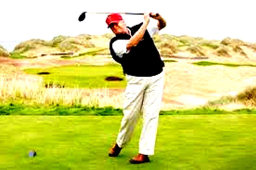 Ο Ντόναλντ Τραμπ δεν παίζει μόνο γκολφ, εκκαθαρίζει και το Πεντάγωνο