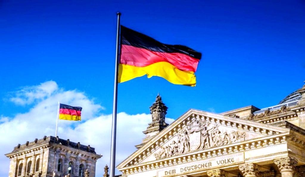 Κατεδάφιση των θεμελιωδών δικαιωμάτων που προστάτευε το γερμανικό Σύνταγμα