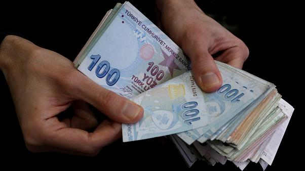 "O Ερντογάν υπόσχεται ""νέα εποχή στην οικονομία"""