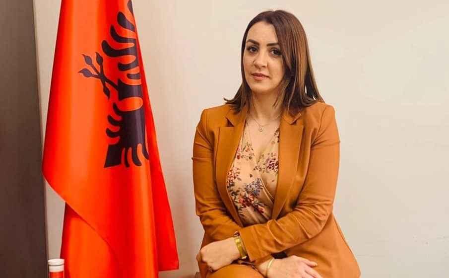 Βουλευτίνα του Ράμα αυτοανακηρύσσεται προστάτιδα της ελληνικής μειονότητας