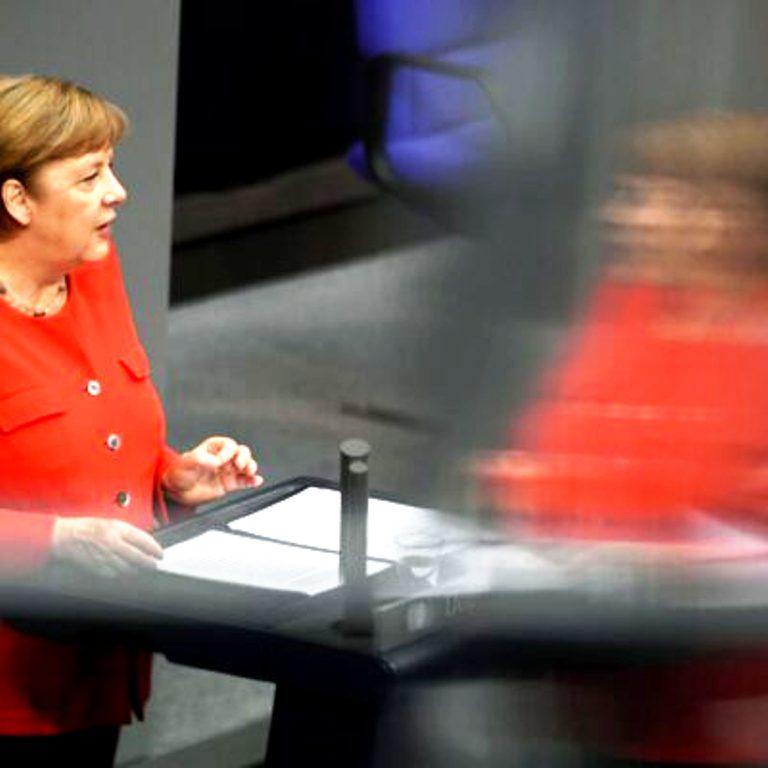 Γιατί η Ευρώπη φλερτάρει την Επανάσταση;