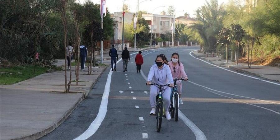 Μετατρέπουν το Βαρώσι σε «ποδηλατοδρόμιο» μετά το πικνικ Ερντογάν (ΒΙΝΤΕΟ)