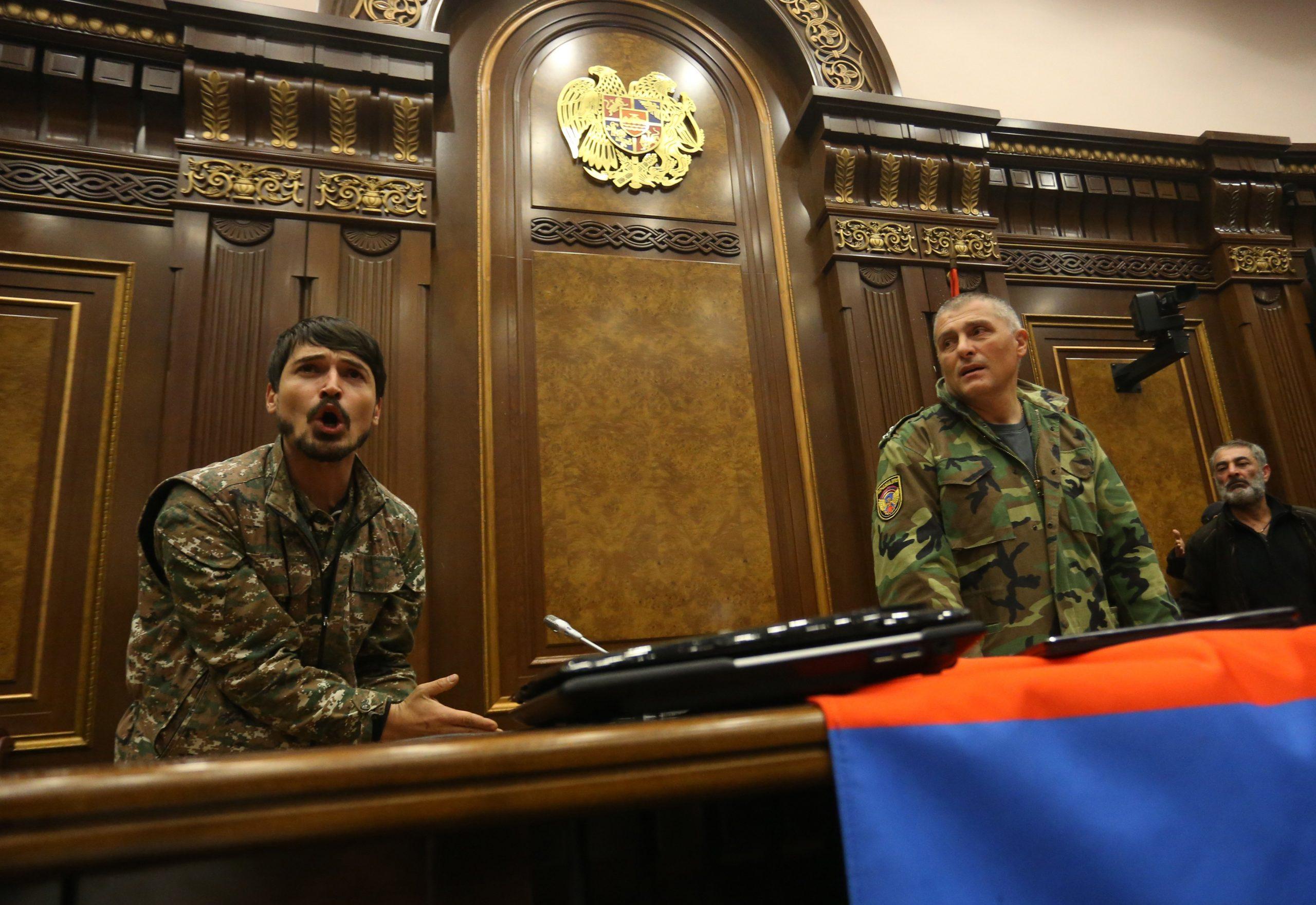 Η οδυνηρή για τους Αρμενίους συνθηκολόγηση στο Αρτσάχ: Παρασκήνιο, παράγοντες και αμυντικά συμπεράσματα