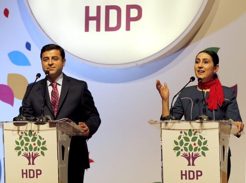Το Ευρωπαϊκό κόμμα DGB ζητά την απελευθέρωση όλων των πολιτικών κρατουμένων