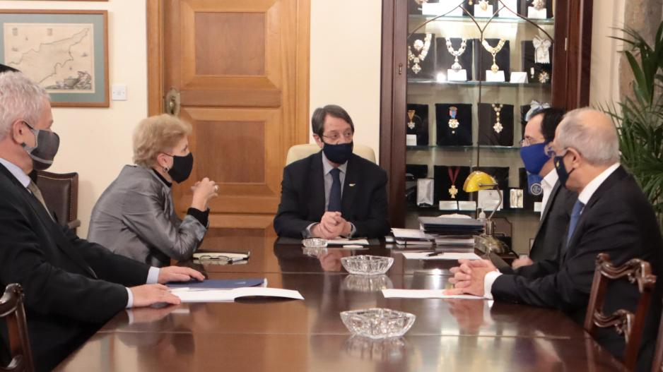 Έλλειψη κοινού οράματος και αγεφύρωτο χάσμα μετά των δύο πλευρών στο Κυπριακό διαπίστωσε η Λουτ (ΒΙΝΤΕΟ)