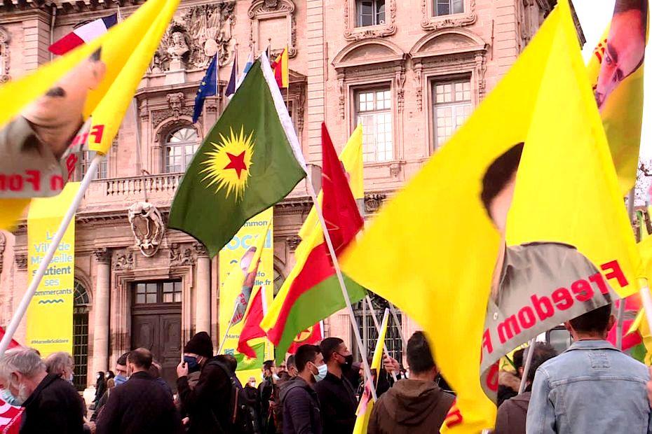 Μασσαλία: Αρμένιοι και Κούρδοι διαδηλώνουν ενάντια στις σφαγές στο Ναγκόρνο-Καραμπάχ
