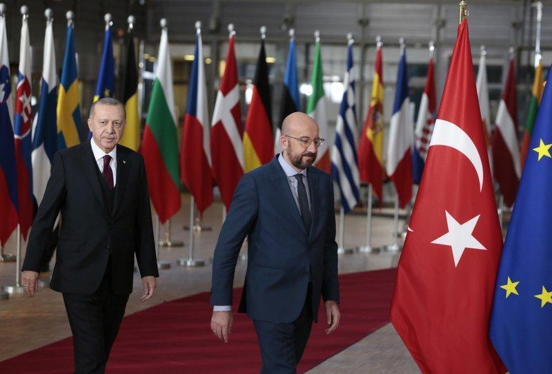 Όχι μόνο δεν επέβαλε κυρώσεις η Ε.Ε. στην Τουρκία, της έδωσε και bonus δισεκατομμύρια ευρώ
