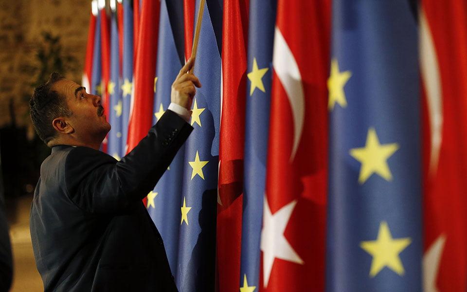 Η Ευρώπη πρέπει άμεσα να λύσει το πρόβλημα που λέγεται Τουρκία