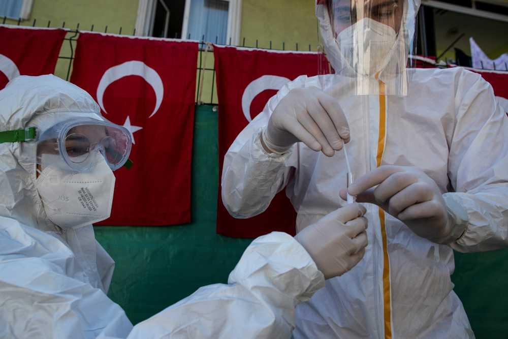 Σαρώνει την Τουρκία ο κορωνοϊός: 254 νεκροί και πάνω από 14.000 κρούσματα σε 24 ώρες
