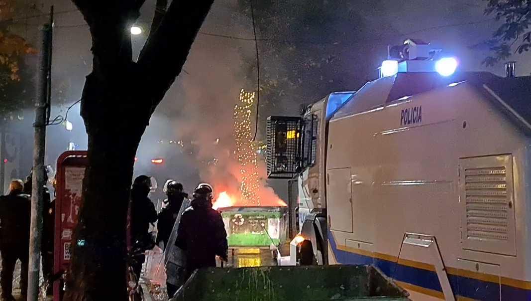 Χαμός στην Αλβανία: Άγρια επεισόδια μετά τη δολοφονία 25χρονου από αστυνομικούς