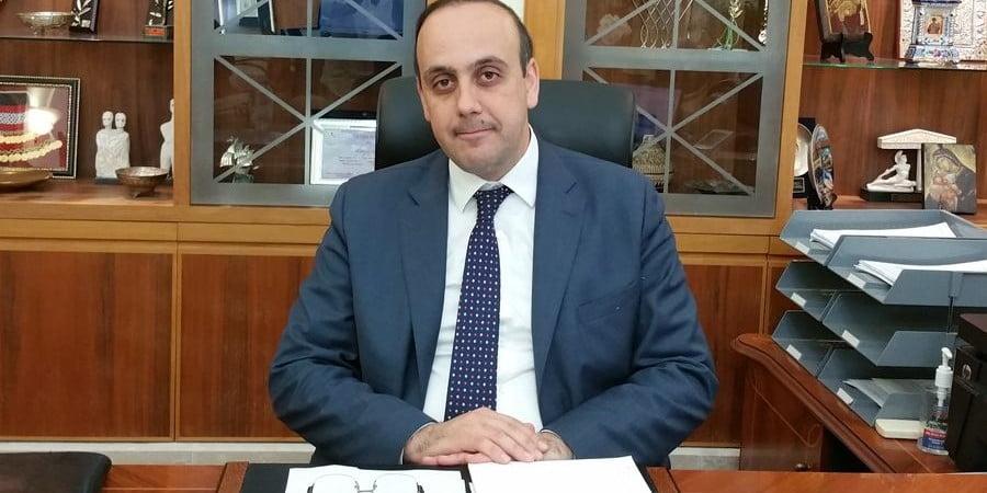 Ο Δήμαρχος Πάφου αναβαθμίζει την πόλη – Αεροπορική σύνδεση με Αίγυπτο