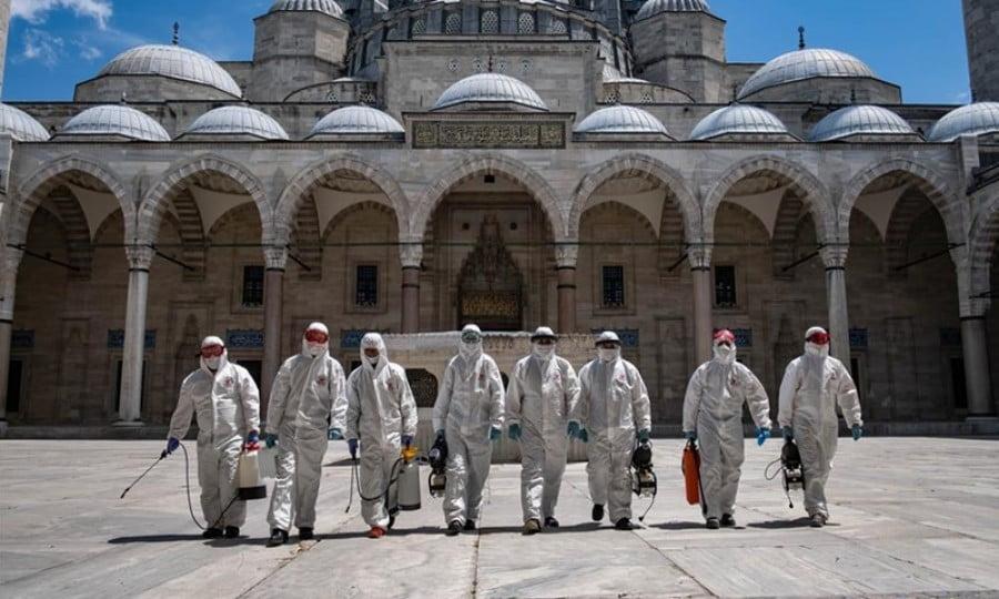 Τέταρτη στον κόσμο η Τουρκία σε αριθμό κρουσμάτων – Σε καθολικό lockdown η χώρα