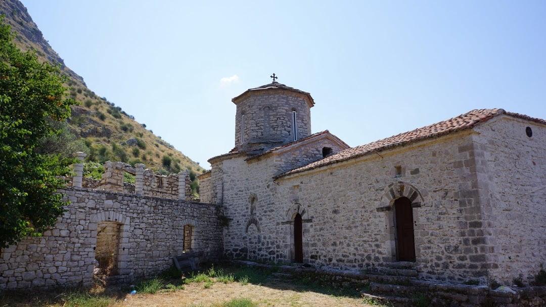 H Μονή Αγίου Νικολάου στη Δίβρη της Βορείου Ηπείρου (ΒΙΝΤΕΟ)