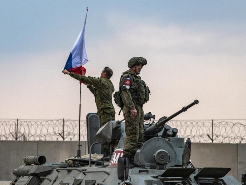 Η Ρωσία και πάλι συνένοχος της Τουρκίας – Η ΒΑ Συρία καταδικάζει τη ρωσική σιωπή απέναντι στις τουρκικές επιθέσεις
