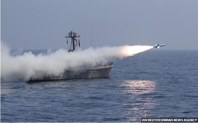 Ιράν: Στρατιωτικές ασκήσεις με βολές πυραύλων σε θαλάσσιους στόχους