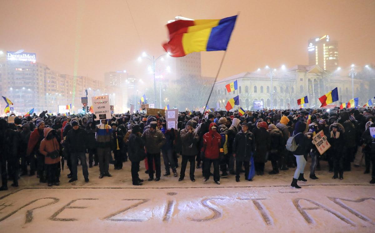 Ρουμανία: Καταδίκη για πρίγκηπα, «μάζεψαν» εκλεγμένο νομάρχη, πρώην υπουργό