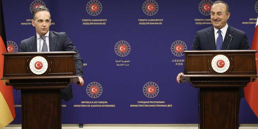 Δεν είμαστε με τα καλά μας. Ο Τσαβούσογλου απείλησε ανοικτά την Ελλάδα, ενώπιον του Γερμανού ΥΠΕΞ