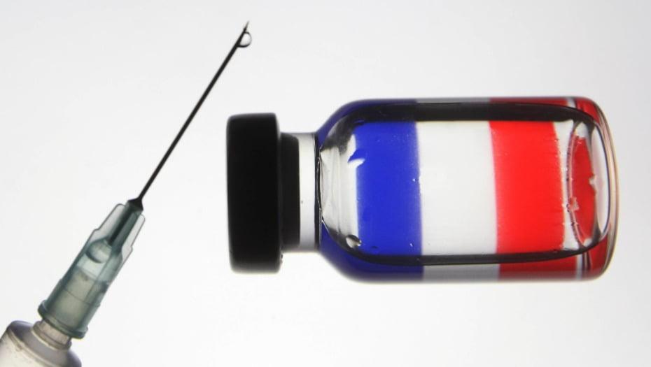 Γιατί η Γαλλία έχει εμβολιάσει μόλις 516 ανθρώπους κατά της Covid-19