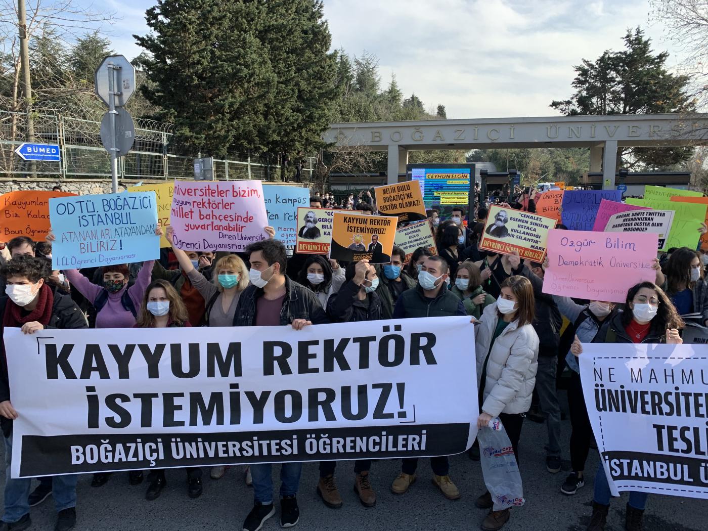 Μηνύματα εξέγερσης από την Τουρκία κατά του τυράννου «Ερντογάν Α'»…