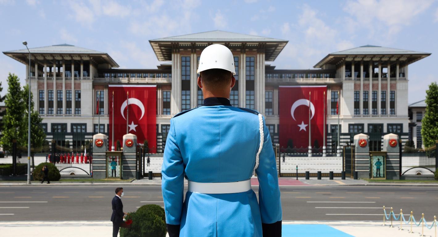 H Toυρκία καλεί τις ΗΠΑ να τερματίσουν τις σχέσεις τους με τους Κούρδους της Συρίας