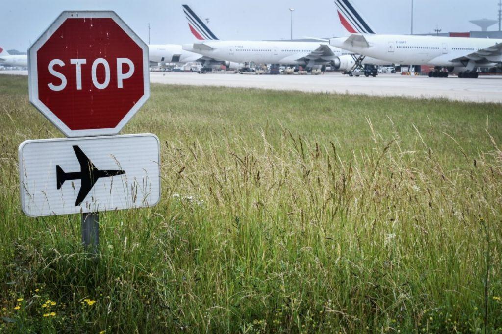 Παγκόσμια συντριβή : Τραγικά στοιχεία για την αεροπορική κίνηση – Απειλούνται εκατομμύρια θέσεις εργασίας