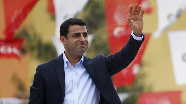 Νέες διώξεις κατά του Σελαχατίν Ντεμιρτάς