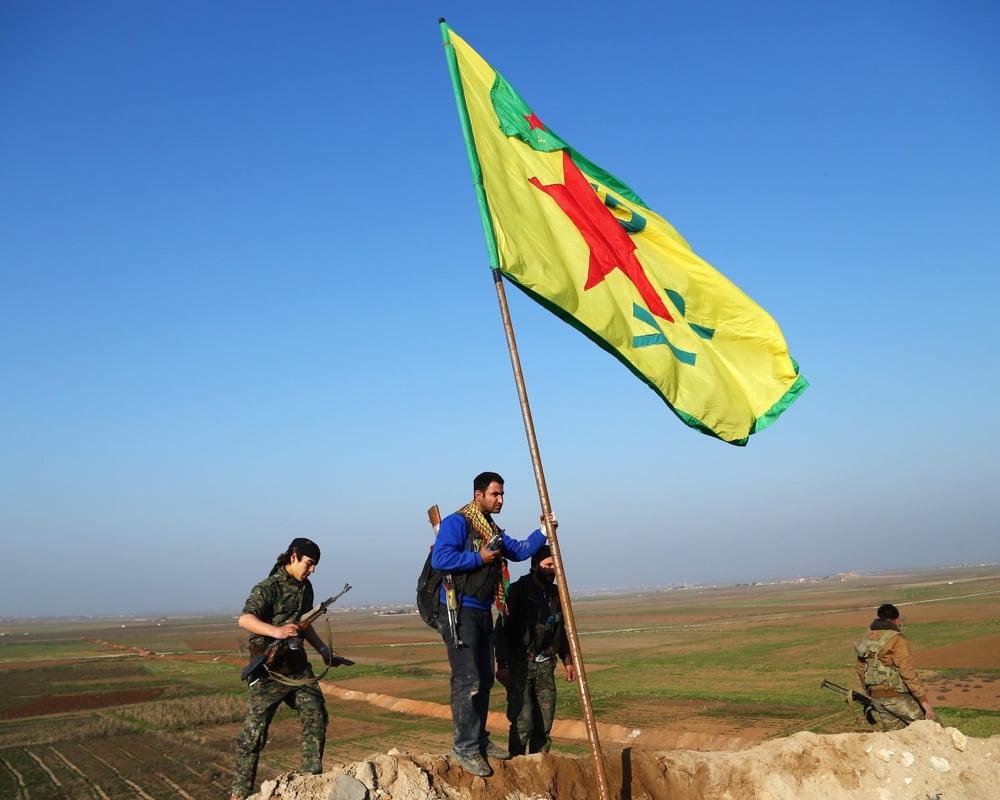 Η πολίτες του ηρωικού Κομπάνι συλλέγουν υπογραφές για αποβολή της Τουρκίας από το έδαφος της Συρίας