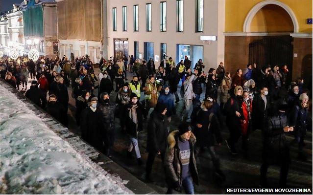 Η Ρωσία απέλασε Ευρωπαίους διπλωμάτες που διαδήλωναν υπέρ του Ναβάλνι