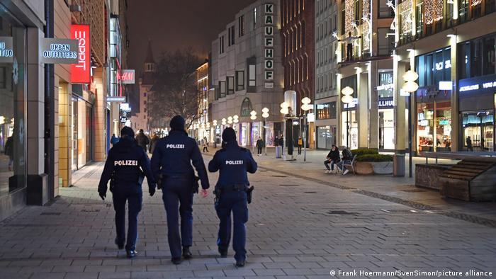 Γερμανία: Δικαστήριο ακύρωσε την απαγόρευση κυκλοφορίας λόγο κορωνοϊού