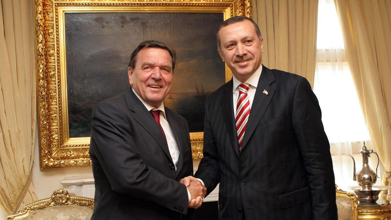 Ο κατά Γκέρχαρντ Σρέντερ ρόλος της Τουρκίας στη νέα παγκόσμια τάξη