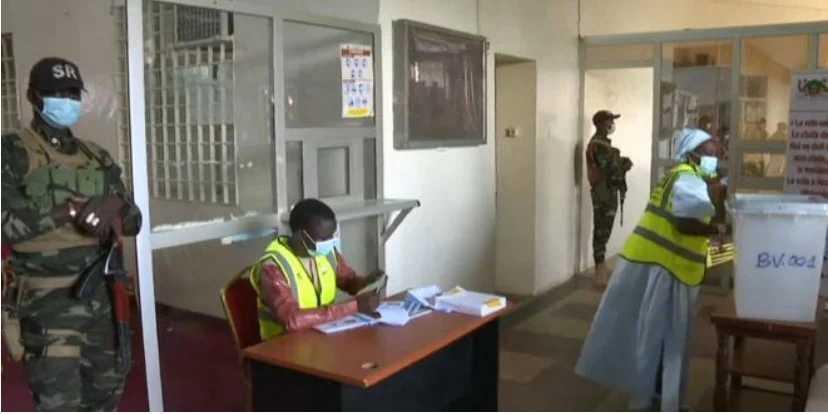 Ματωμένες προεδρικές εκλογές στον Νίγηρα: Εξερράγη αυτοκίνητο με μέλη της εκλογικής επιτροπής