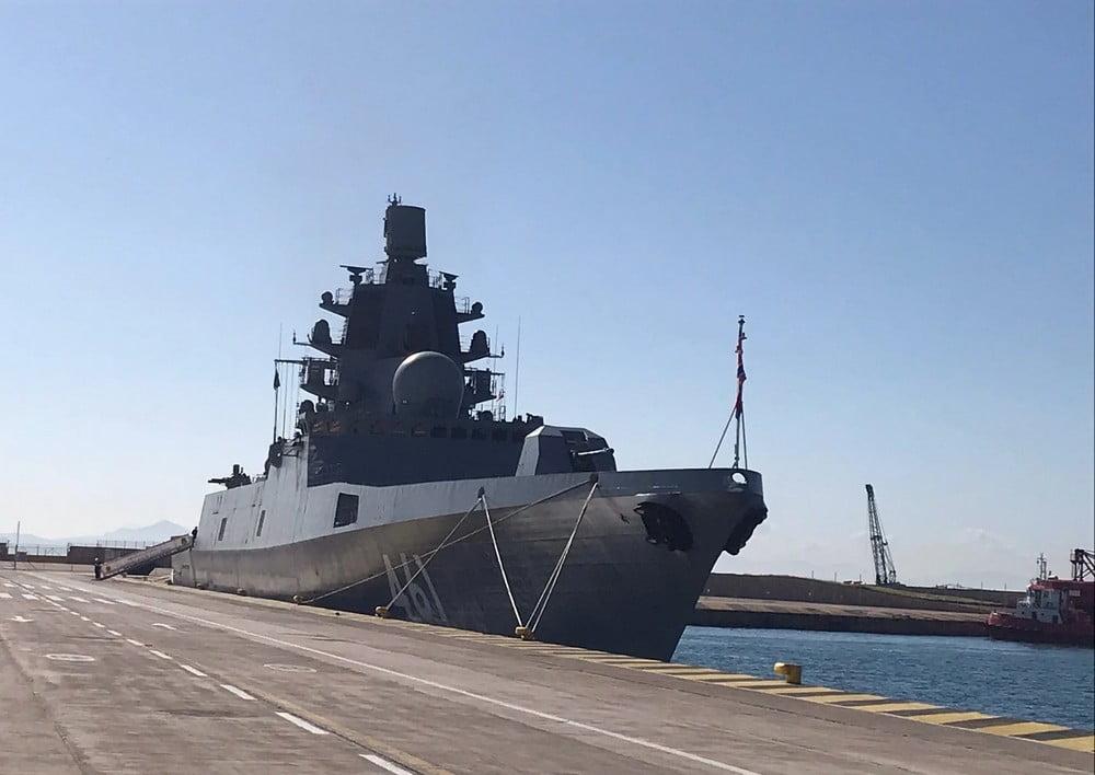 Στο λιμάνι του Πειραιά υπερσύγχρονη φρεγάτα του Πολεμικού Ναυτικού της Ρωσίας