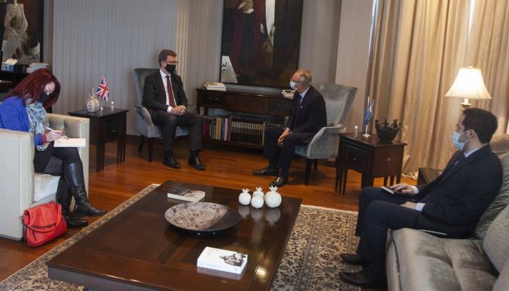 """Η αγγλική πρωτοβουλία στο Κυπριακό και τα """"δύο κοινοτικά κρατίδια"""""""