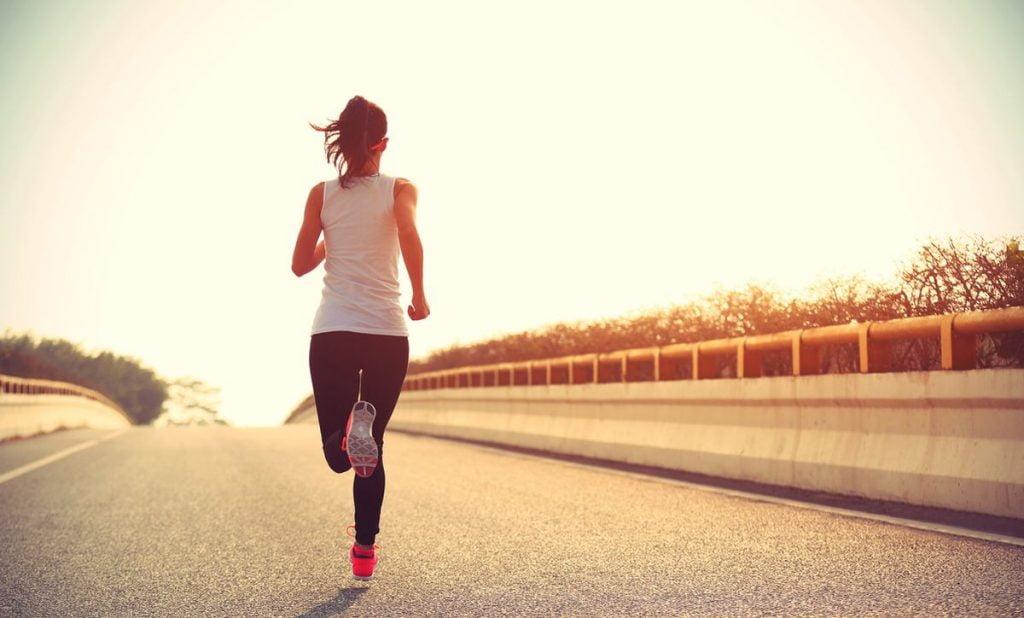 """Κάνει καλό το τρέξιμο στην ψυχολογία; """"Φάρμακο"""" τα χιλιόμετρα, αλλά όχι για όλους"""