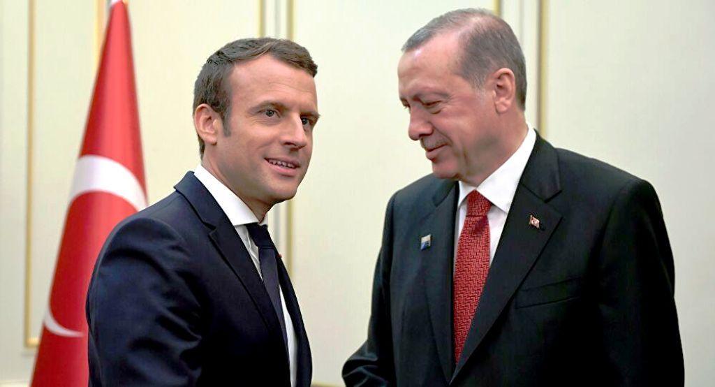 Ο Κώστας Πικραμένος στο γαλλικό Σπουτνίκ: «Ο Μακρόν υπερτονίζει την απειλή της ανάμιξης του Ερντογάν στις γαλλικές προεδρικές εκλογές του 2022 για να θεωρηθεί ως το προπύργιο ενάντια στο πολιτικό Ισλάμ»