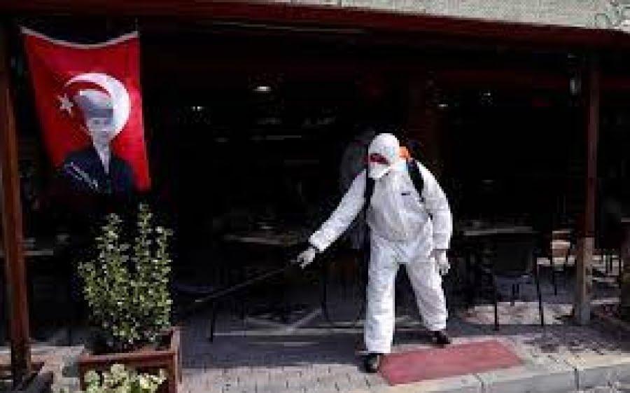 Η Τουρκία σχεδιάζει να εμβολιάσει 50 εκατ. ανθρώπους πριν από το φθινόπωρο