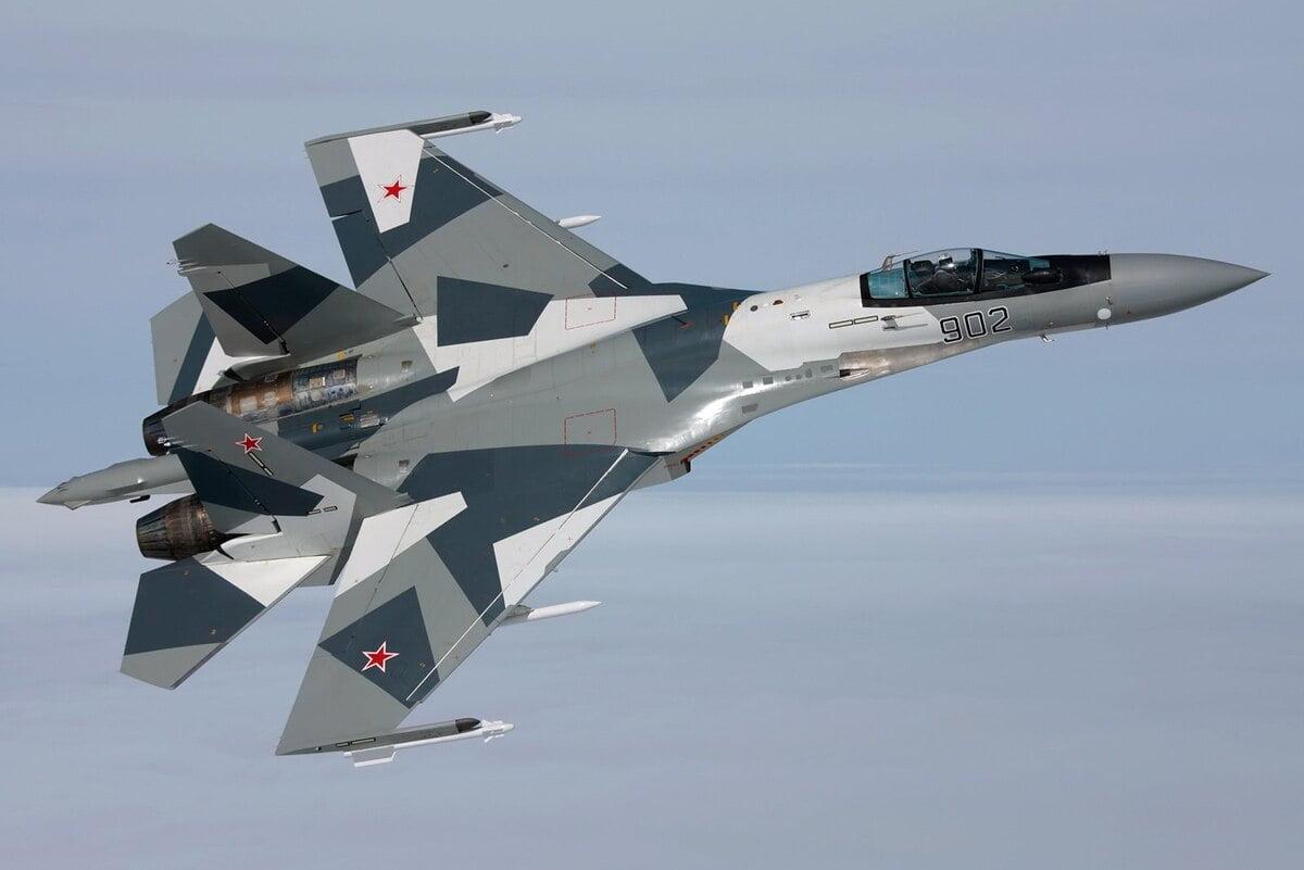 Οι Αμερικανοί εντυπωσιάστηκαν από τα ρωσικά αεροσκάφη Su-35
