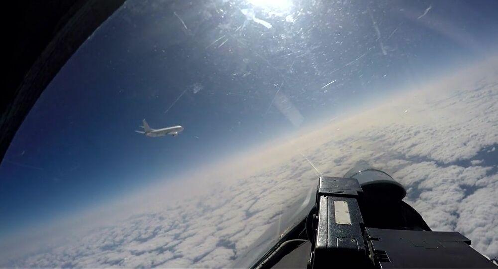 Ρωσικό Su-27 συνόδευσε βομβαρδιστικά των ΗΠΑ πάνω από τη Βαλτική Θάλασσα