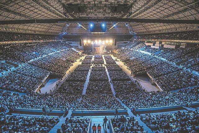 Τα πειράματα του τέλους της απομόνωσης – Η συναυλία με 5.000 κόσμο δείχνει το δρόμο