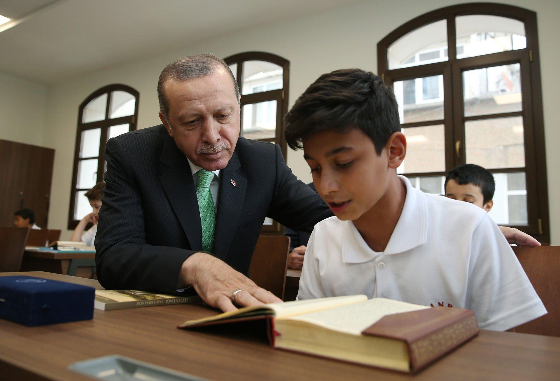 Το Ισλάμ ριζώνει στην Τουρκία μέσω των σχολείων